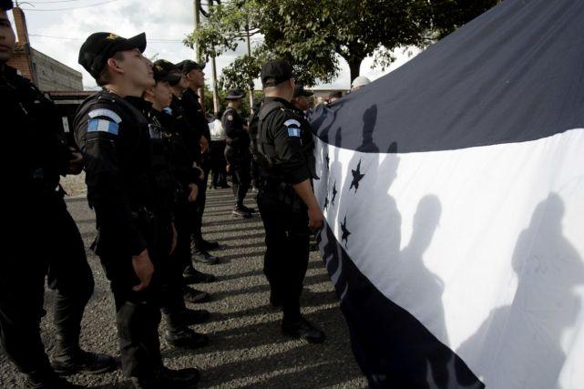 Caravan with Honduran Flag